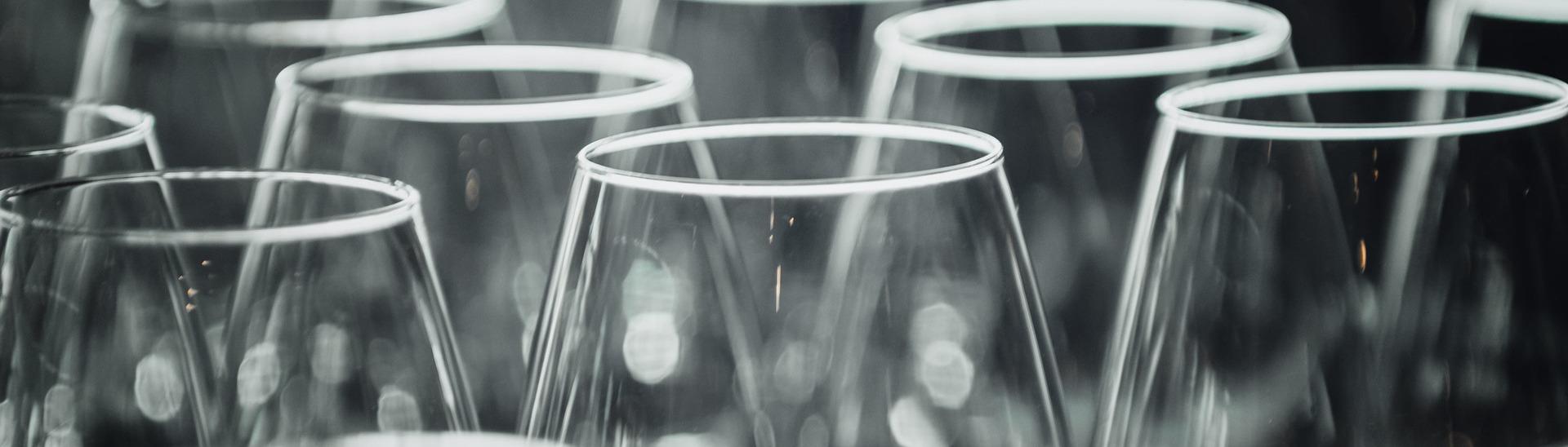 wine-glasses-PQWV62N(2)(1)(1)